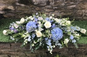 Pale Blue and White Double Ended Arrangement
