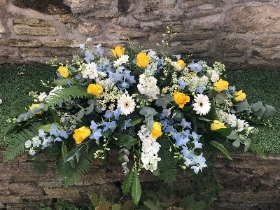 Yellow, Blue and White Double Ended Arrangement
